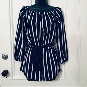 🛍Forever 21 Small Navy And White Striped Romper